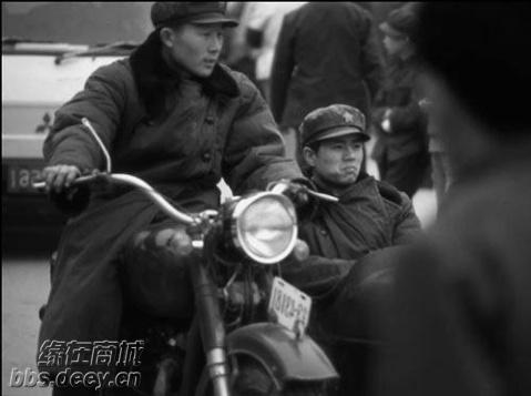 那时侯的解放军叔叔基本上很受人羡慕的  -回想 那时候 的中国